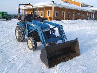 New Holland Tc33d Tractor photo