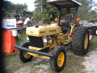 Ford New Holland 260c photo