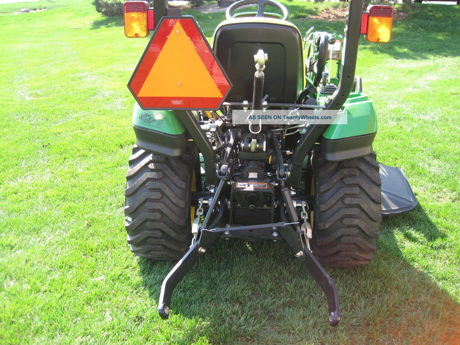 new_john_deere_1023e_1_series_sub_compact_tractor_with_front_loader