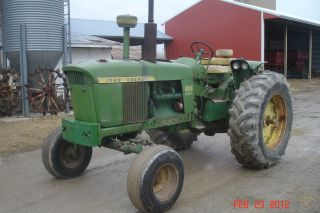 John Deere 4010 Farm Tractor Wide Front photo