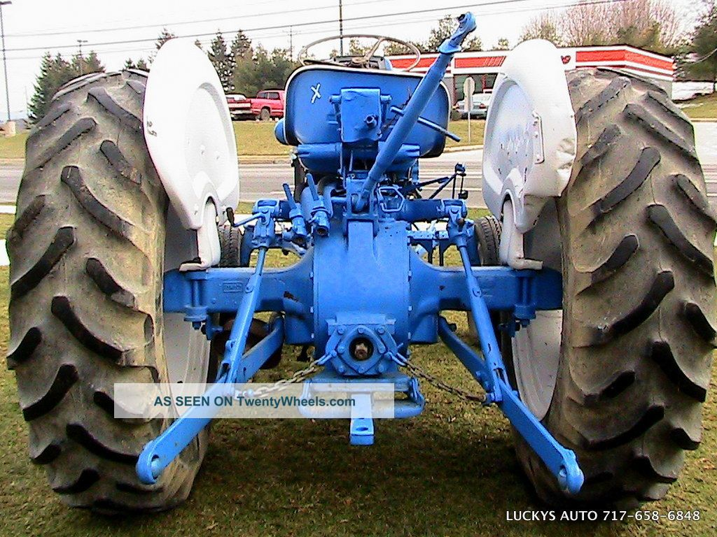 Ford 3000 Gas : Ford tractor wd gas hp speed