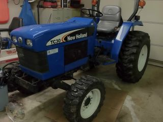 2008 New Holland Tc 30 Tractor 590 Hours 4x4 photo