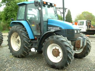 New Holland Ts110,  4wd Tractor,  2000 photo