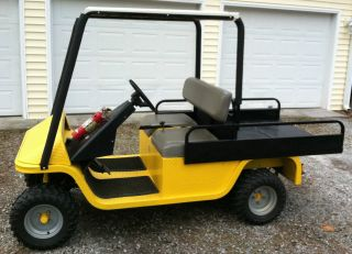 Cushman Gt - 1 Utv V - Twin Truckster Commercial Utility Vehicle Gas 1200 Lb Cap photo