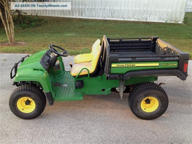 2009 John Deere Tx Turf Gator,  13.  5hp,  Power Dump Bed,  Low Hours Utility Vehicles photo