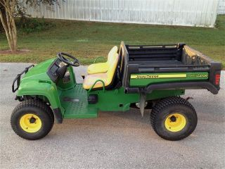 2009 John Deere Tx Turf Gator,  13.  5hp,  Power Dump Bed,  Low Hours photo