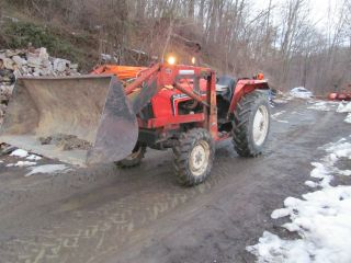 Allis Chalmers 6140 With Loader 4x4 Tractor Power Steer 4wd 3 Pt Hitch Pto Diese photo