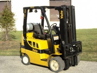 Clean 2008 Yale 5,  000lb.  Capacity Lp Forklift With Side Shifter & Set Of Forks photo