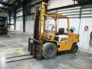 Komatsu Fg40 - 4 8,  000 Lb Forklift photo