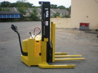 2000 Yale Walkie Stacker 3000 Lbs Capacity photo