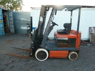 Electric Forklift Truck photo