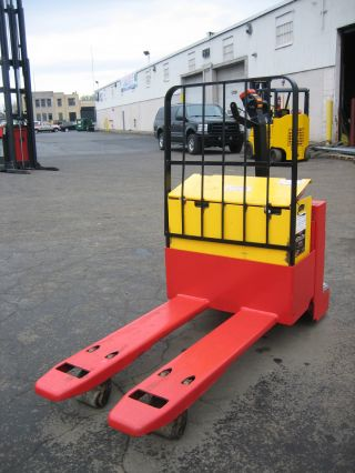 Raymond Dockstocker Forklift 2002 Model Dl65 Jack,  6500lb Capacity photo