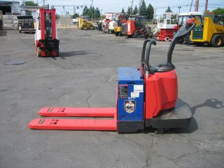 Raymond Forklift 2006 Model 840 / 112 Jack,  6000lb Capacity,  24 Volt Clean photo