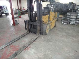 Forklift Cat T100d photo