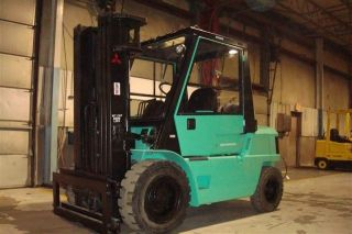 Caterpillar/mitsubishi 8000 Lb Capacity Forklift Lift Truck Pneumatic Tire photo