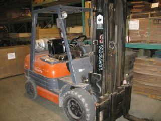 Toyota Forklift,  1997,  6,  000lb,  Solid Tires,  Triple Mast,  Side - Shift photo