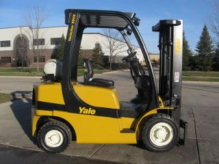 2009 Yale 5000 Lb Capacity Forklift Lift Truck Pneumatic Tire Lp Gas Propane photo