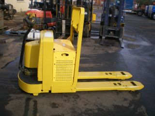 2004 Yale Walkie Palett Truck 6000 Lbs Capacity Two Available photo