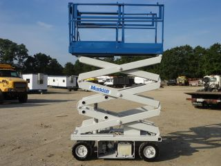 Marklift 15 ' Platform Scissor Lift photo