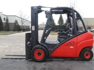 Linde H30d 6000 Lb Capacity Forklift Lift Truck Solid Pneumatic Tire Triple Stg photo
