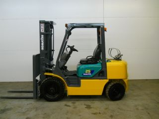2006 Komatsu 5000 Lb Capacity Forklift Lift Truck Pneumatic Tire Triple Stage photo