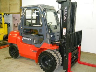 2003 Toyota 8000 Lb Capacity Forklift Lift Truck Pneumatic Tire W/heated Cab photo
