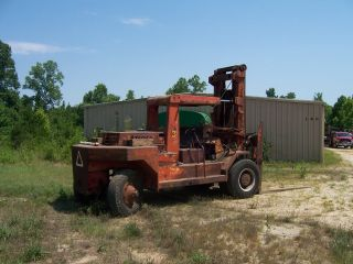 Taylor Yardmaster Forklift,  Cap.  22,  000 photo
