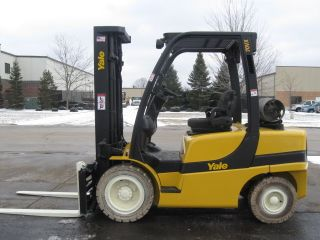 2006 Yale 7000 Lb Capacity Forklift Lift Truck Pneumatic Tire Clear View Mast photo