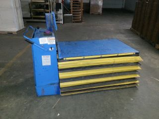 2000 Lb Blue Giant Table Lift Electric. photo