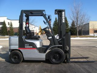 2005 Nissan Pd50 Forklift 5000lb Diesel Pneumatic Lift Truck Hi Lo photo