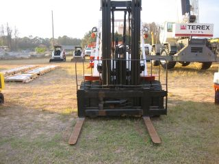 Nissan 9000lb Capacity Pneumatic Tire Forklift Lp Powered 48