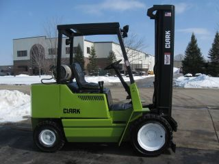 Clark Gpx30 Forklift 6000lb Pneumatic Lift Truck Hi Lo photo