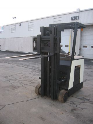 2004 Crown Dockstocker Forklift 3000 190