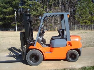 2006 Toyota 7fgu25 Dual Drive Pneumatic Tire Forklift Truck photo