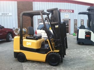 Caterpillar Cushion Gc25k 5000lb Forklift Lift Truck photo