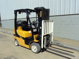 Yale 5,  000lb Forklift Very Clean 2008 With 20ft Of Lift Runs Great photo