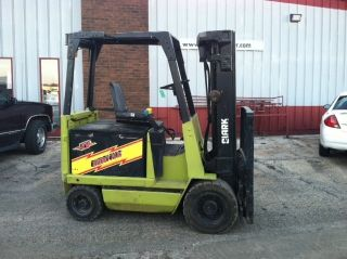 Clark Pneumatic Electric 5000lb Epa25 Forklift Lift Truck photo