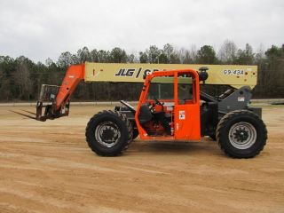 2004 Jlg G9 - 43a Telescopic Forklift photo