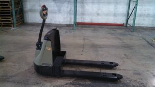 2009 Crown Electric Pallet Jack Wp2335 - 45 Refurbished photo