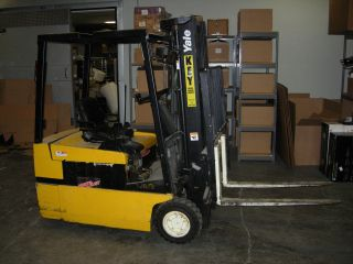 "Forklift ""yale"" - Fully Operational (model Erp035tgn36te082) photo"