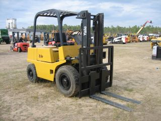 Yale 6000lb Capacity Pneumatic Tire Forklift Gas Powered 44