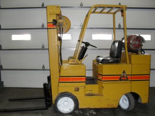 Allis Chalmers Fork Truck / Fork Lift photo