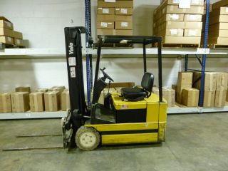 Yale Electric Fork Truck Model Erpo30tdn36se083,  Tripple Mask With Side Shift photo