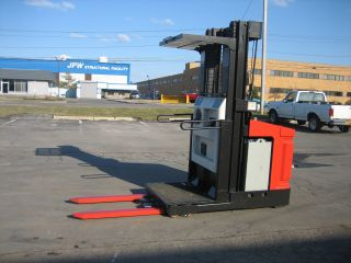1992 Raymond Forklift Order Picker 3000lb Capacity 17 ' Very Clean 42