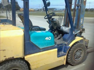 Komatsu Forklift.  Fd40 - Zt,  Lift Truck 8k Cap.  Diesel Power Pnumatic Tire photo