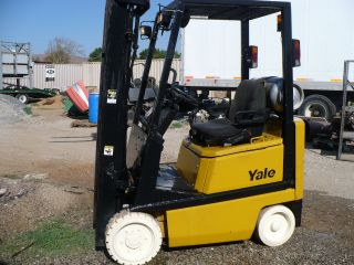 Forklift Yale 3000lb,  Triple Mass,  Side Shift [aux