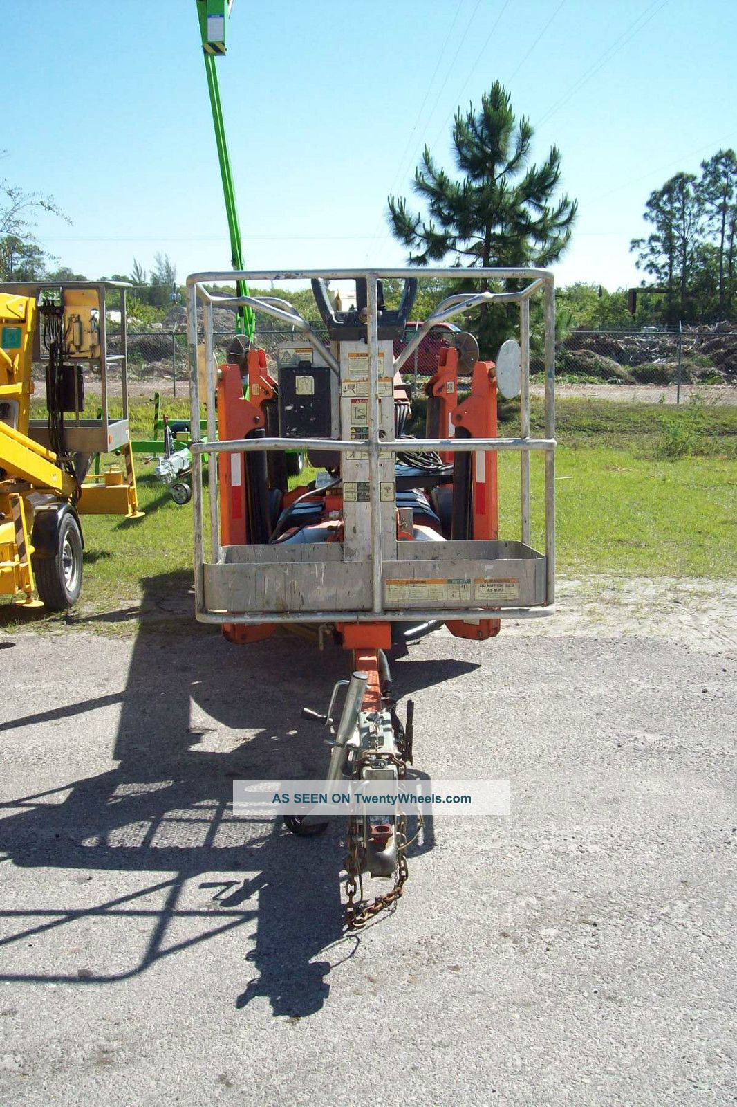 Battery Bucket Lift : Jlg t boom lift auto leveling battery powered