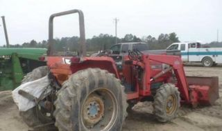 Massey Ferguson 1180 4 X 4 With Loader photo