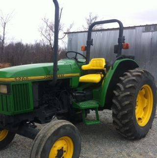 John Deere 5200 Tractor.  Good Little Tractor.  Ready To Work For You photo