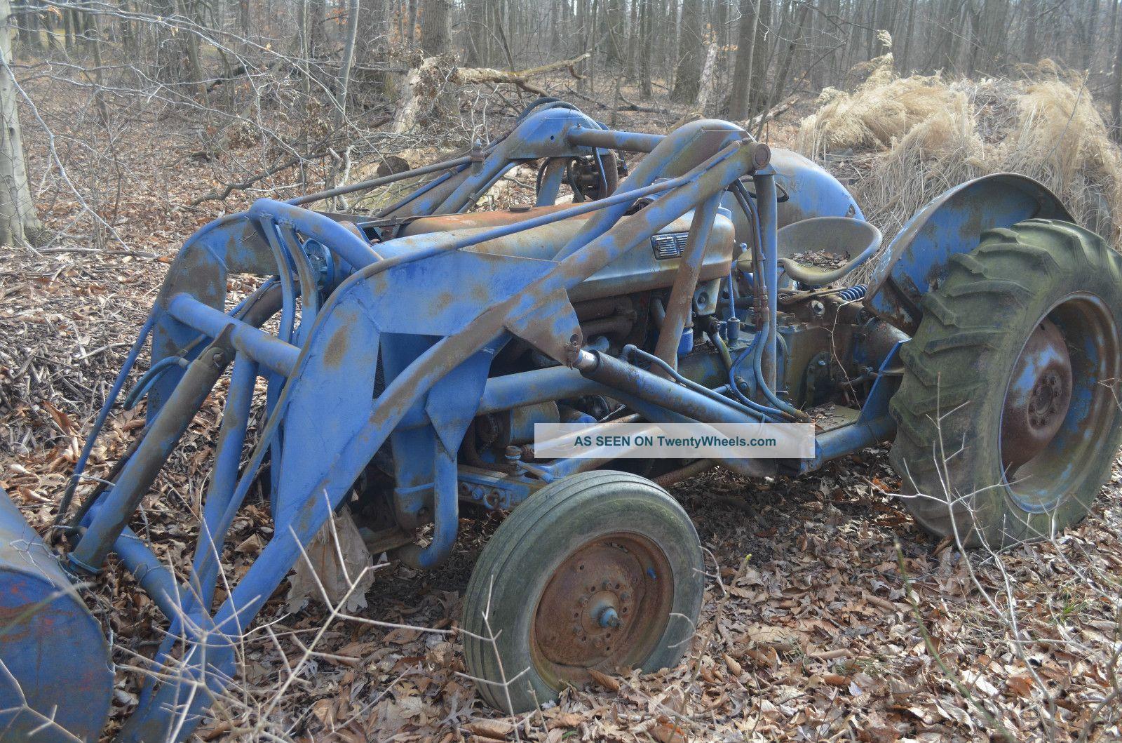 600 Ford Tractor Model : Ford tractor with loader new point hitch